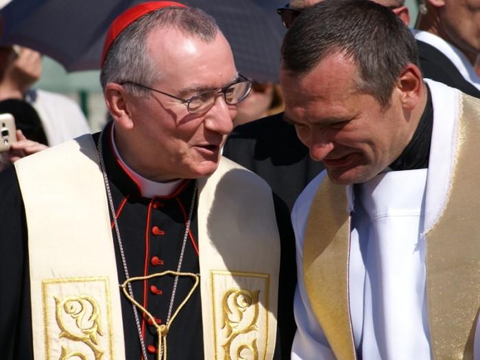 kard. Pietro Parolin i ks. Grzegorz Draus