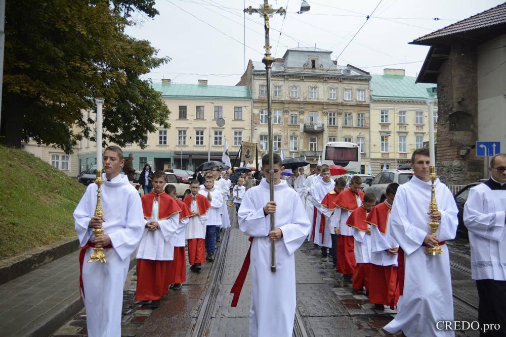 Запрошуємо на ходу вулицями Львова з реліквіями блаженного Якуба Стрепи